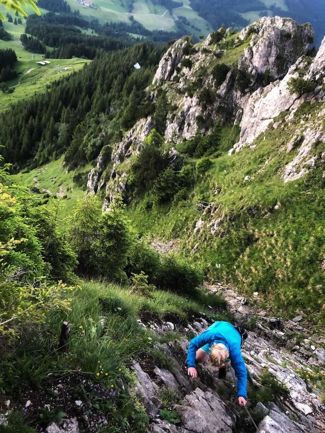 Leichte Kletterei beim Abstieg vom Sorgschrofen