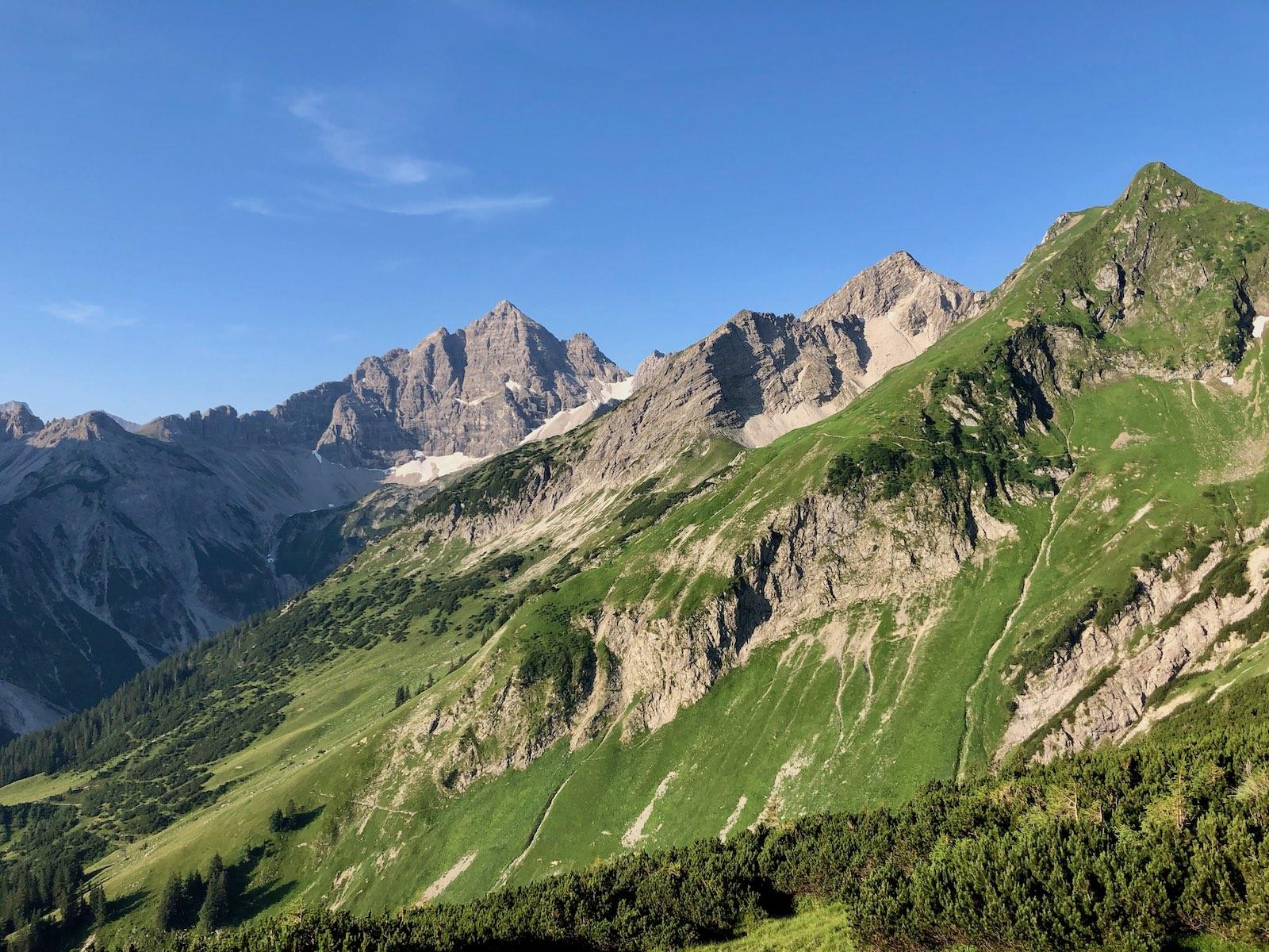 Die 4 Zustiege auf den König der Allgäuer Alpen: den Hochvogel