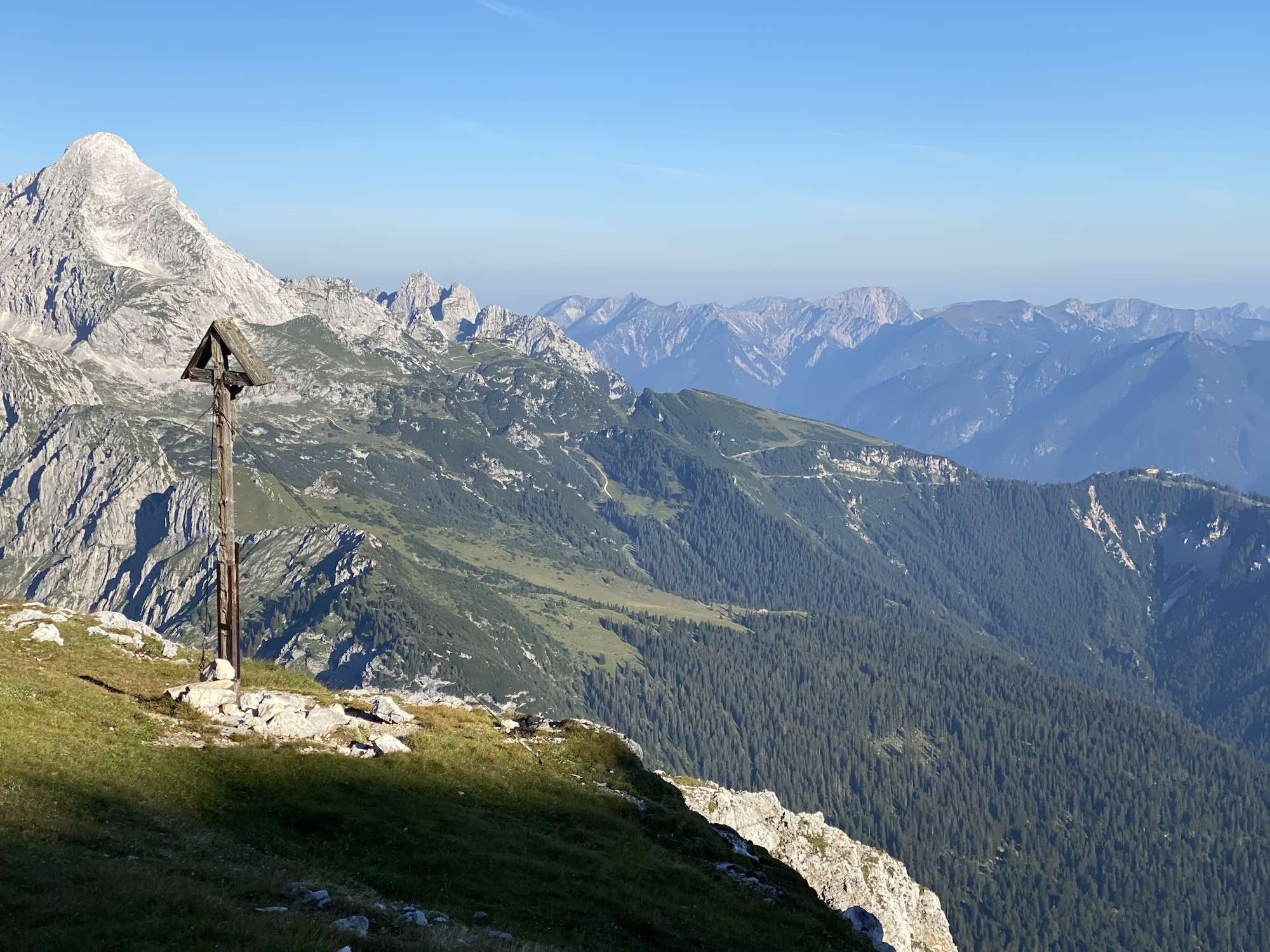 Kreuz zwischen Schachenhaus und Meilerhütte